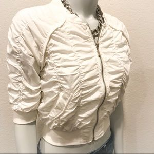 FOREVER 21 Ivory Ruched Cropped Mini Puffy Jacket